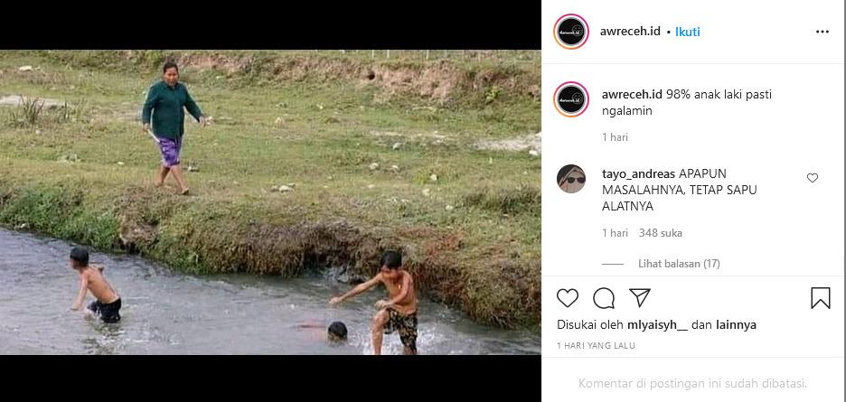 foto jadul anak mandi di sungai