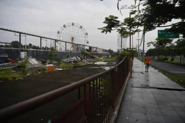 Suasana dan kondisi Suroboyo Carnival Park di Surabaya