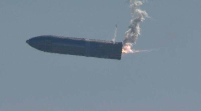 SpaceX meluncurkan Starship SN9 untuk uji terbang dari fasilitasnya di Boca Chica (REUTERS/Gene Blevins)